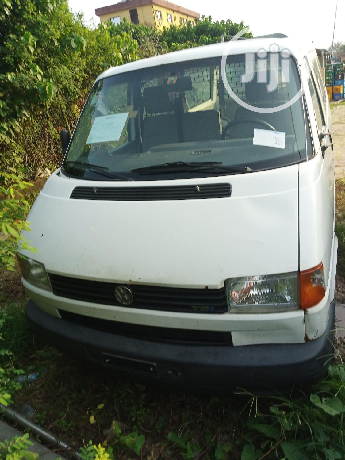 Archive: Swiss Used Volkswagen T4 2001 White For Sale