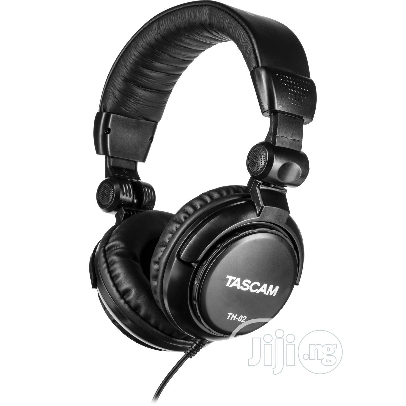 Archive: Tascam TH 02 Headphone