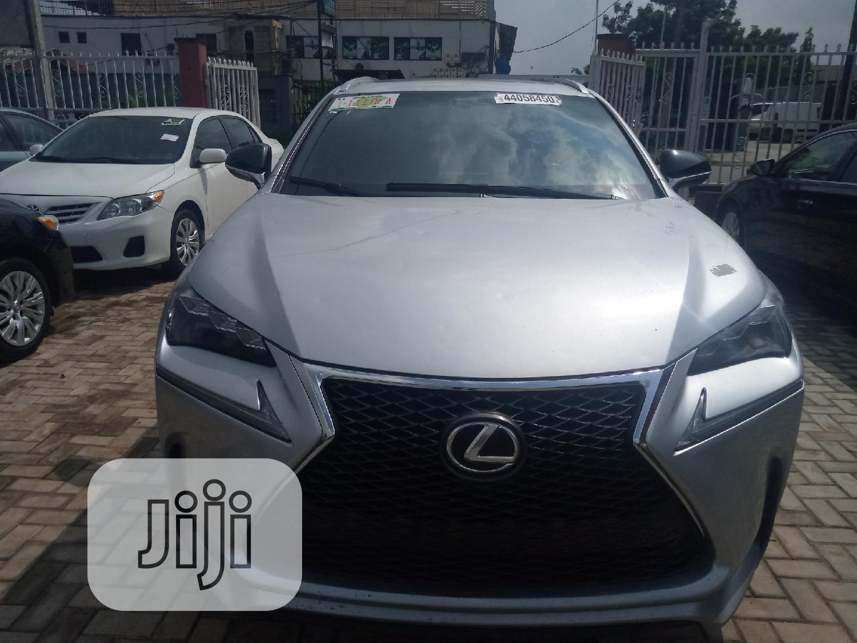 Lexus NX 2016 Silver