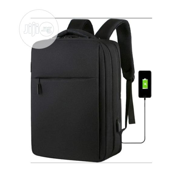Anti-theft Travel Bags Backpack With USB Port O15