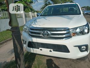 Toyota Hilux 2017 SR5+ 4x4 White   Cars for sale in Lagos State, Amuwo-Odofin