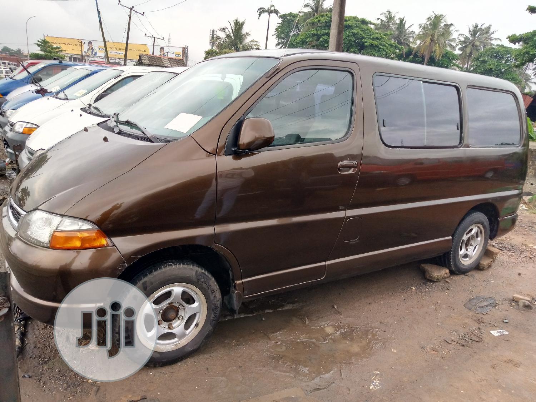 Toyota Hiace 2003 Brown