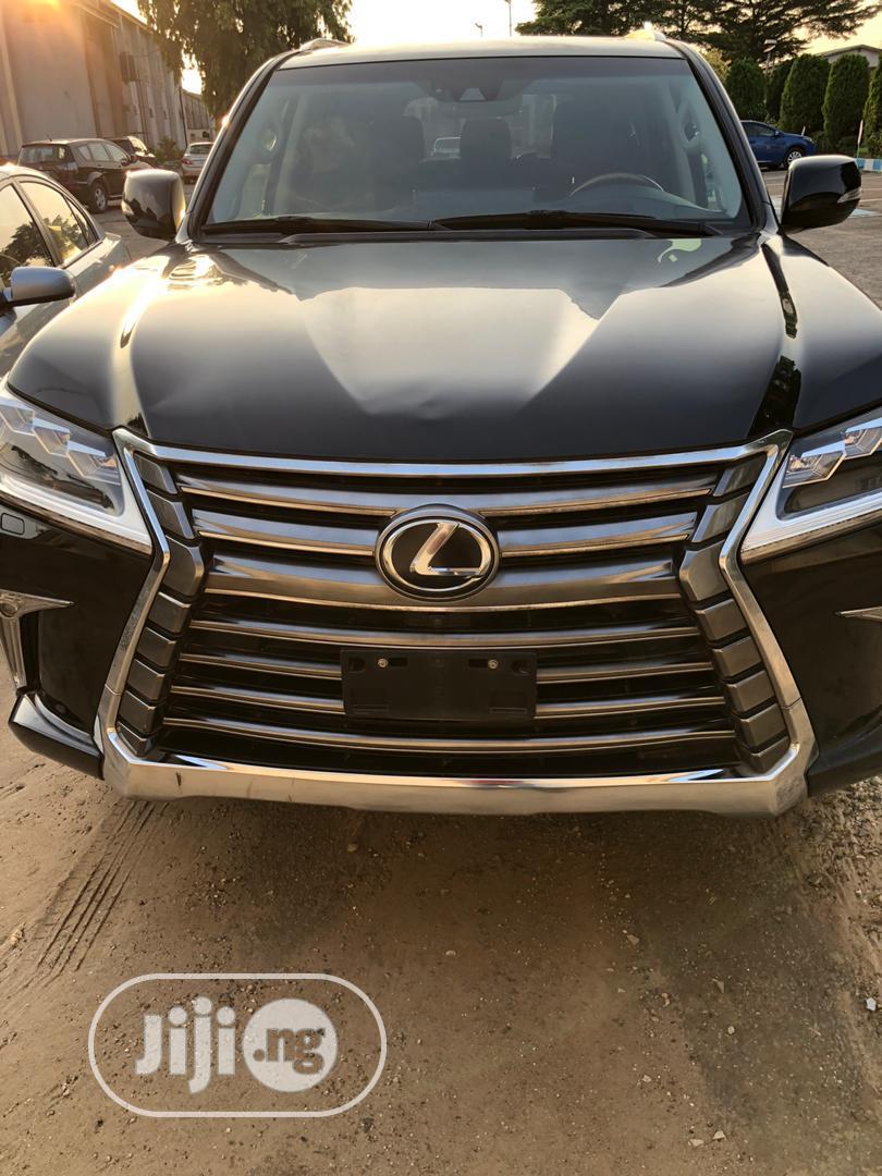 Lexus LX 2017 570 Base Black