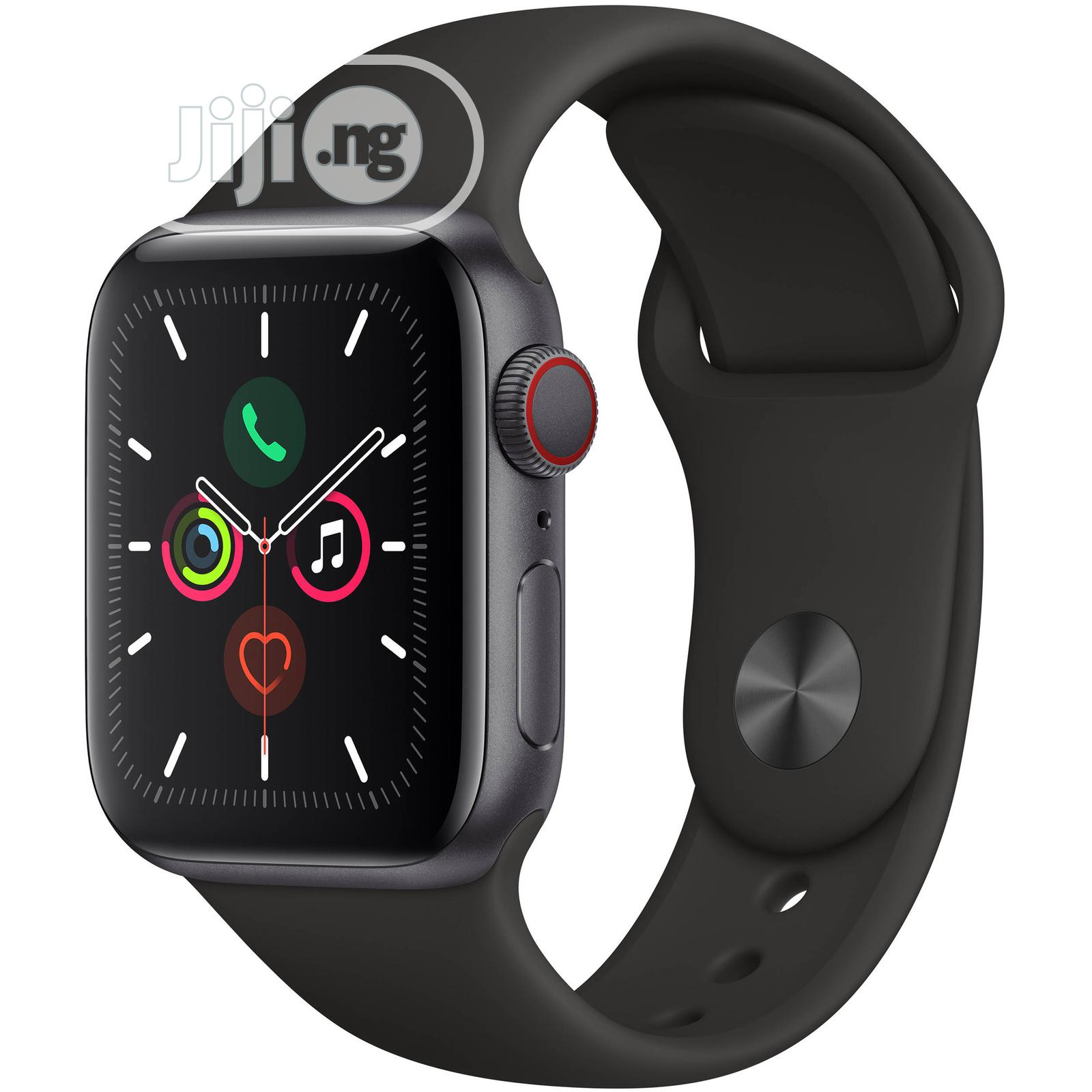 Apple Watch Series 5..40mm (Uk Used) | Smart Watches & Trackers for sale in Ibadan, Oyo State, Nigeria