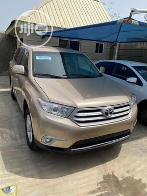 Toyota Highlander 2013 3.5L 4WD Gold   Cars for sale in Oyo State, Ibadan