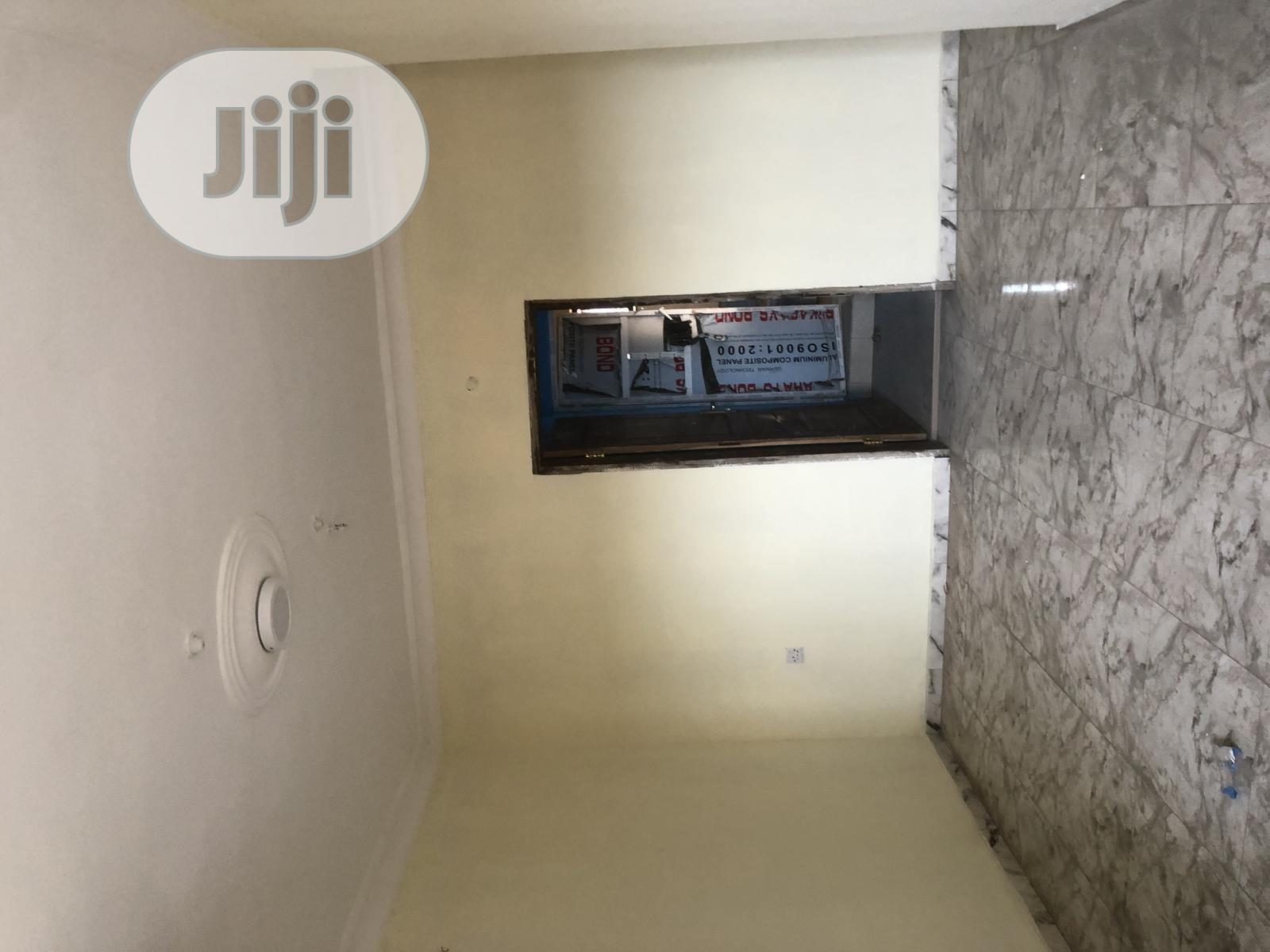 Newly Built Mini Flat in Surulere Wit Water and Prepaid 500k   Houses & Apartments For Rent for sale in Surulere, Lagos State, Nigeria