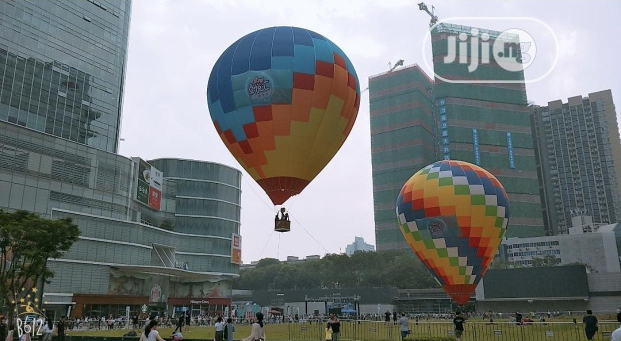 Hot Air Balloons With Lights