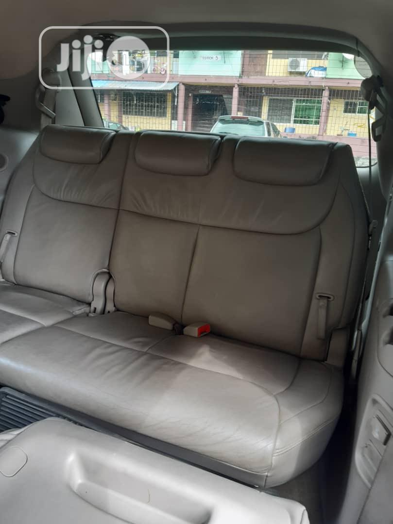 Toyota Sienna 2005 XLE Limited Gold | Cars for sale in Amuwo-Odofin, Lagos State, Nigeria