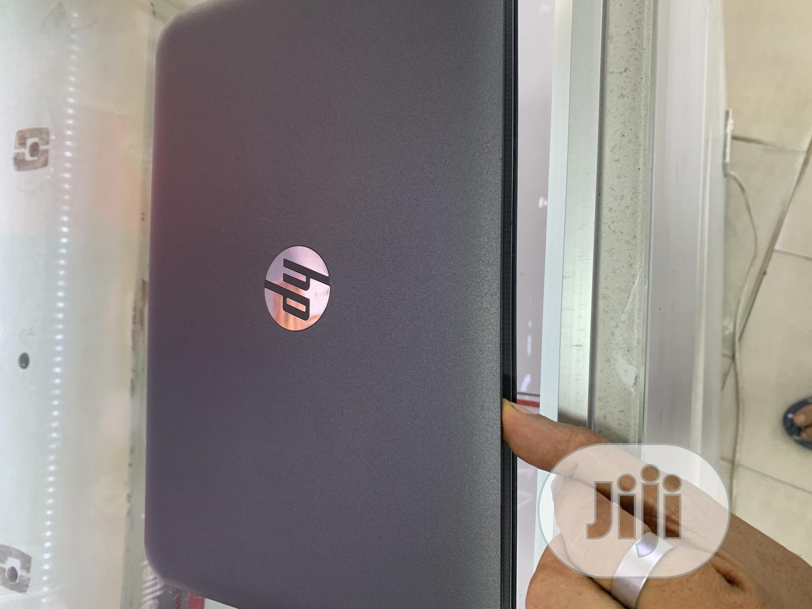 New Laptop HP Stream 11 4GB Intel Celeron SSD 32GB