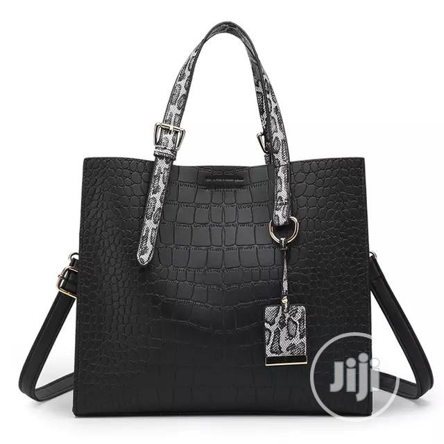 Trendy Ladies Leather Handbag
