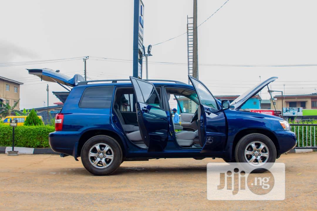 Archive: Toyota Highlander 2006 V6 4x4 Blue