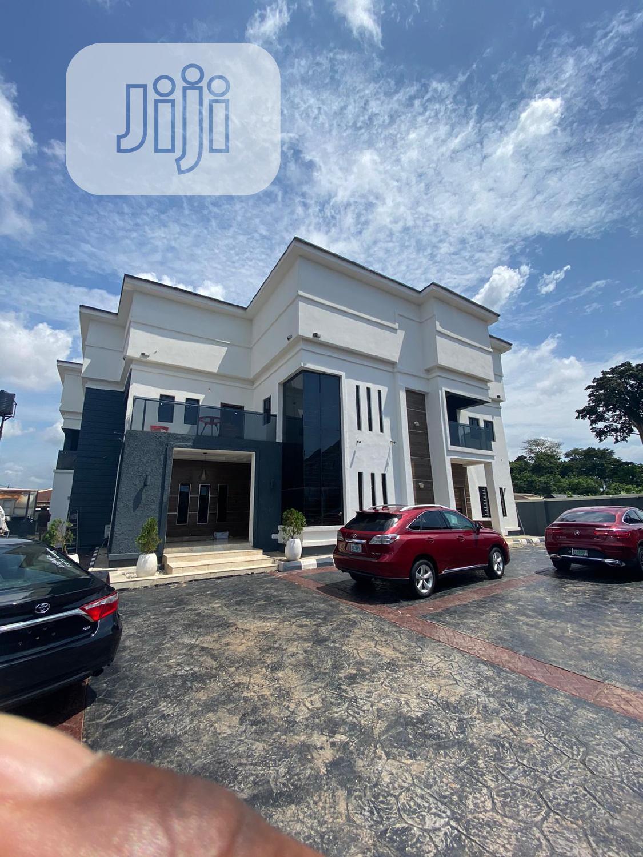 Exquisite 6-bedroom Duplex With Swimming Pool