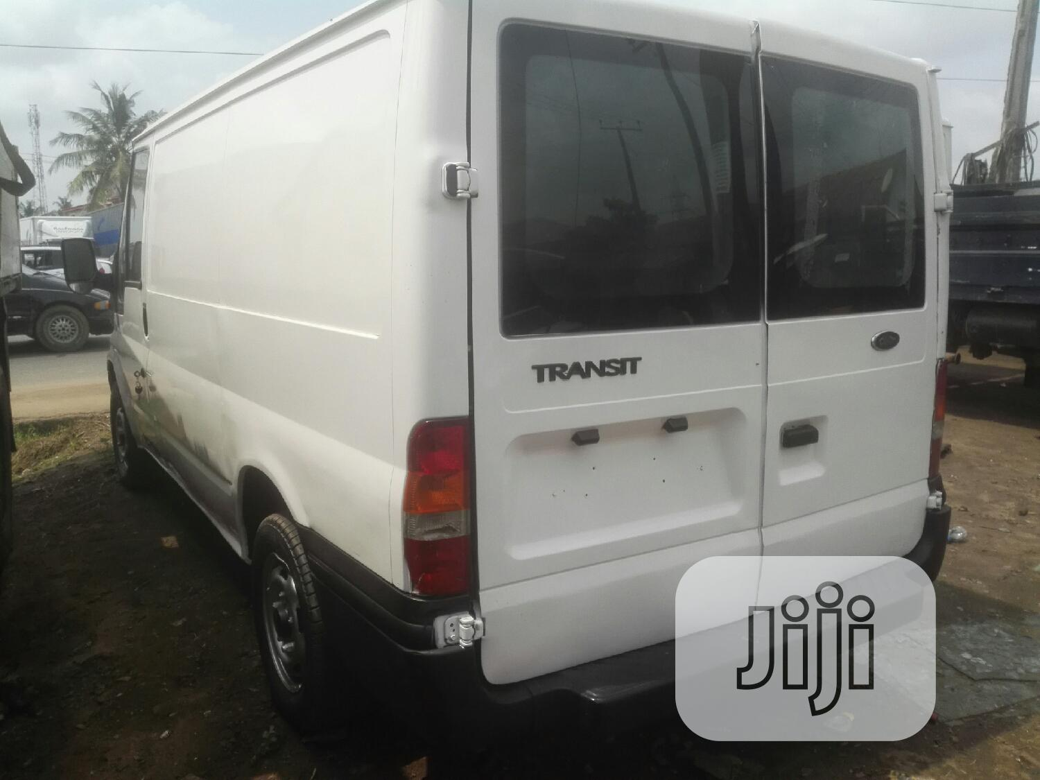 Foreign Used/Tokunbo Ford Transit 2005 White | Buses & Microbuses for sale in Ejigbo, Lagos State, Nigeria