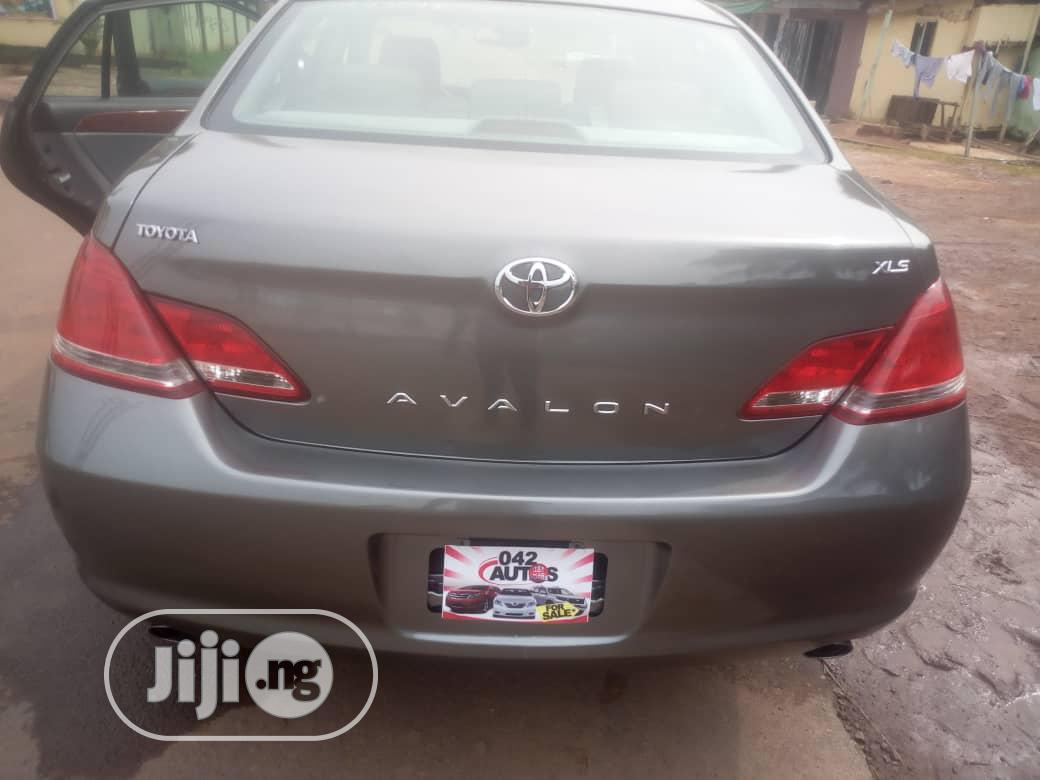 Archive: Toyota Avalon 2006 Gray