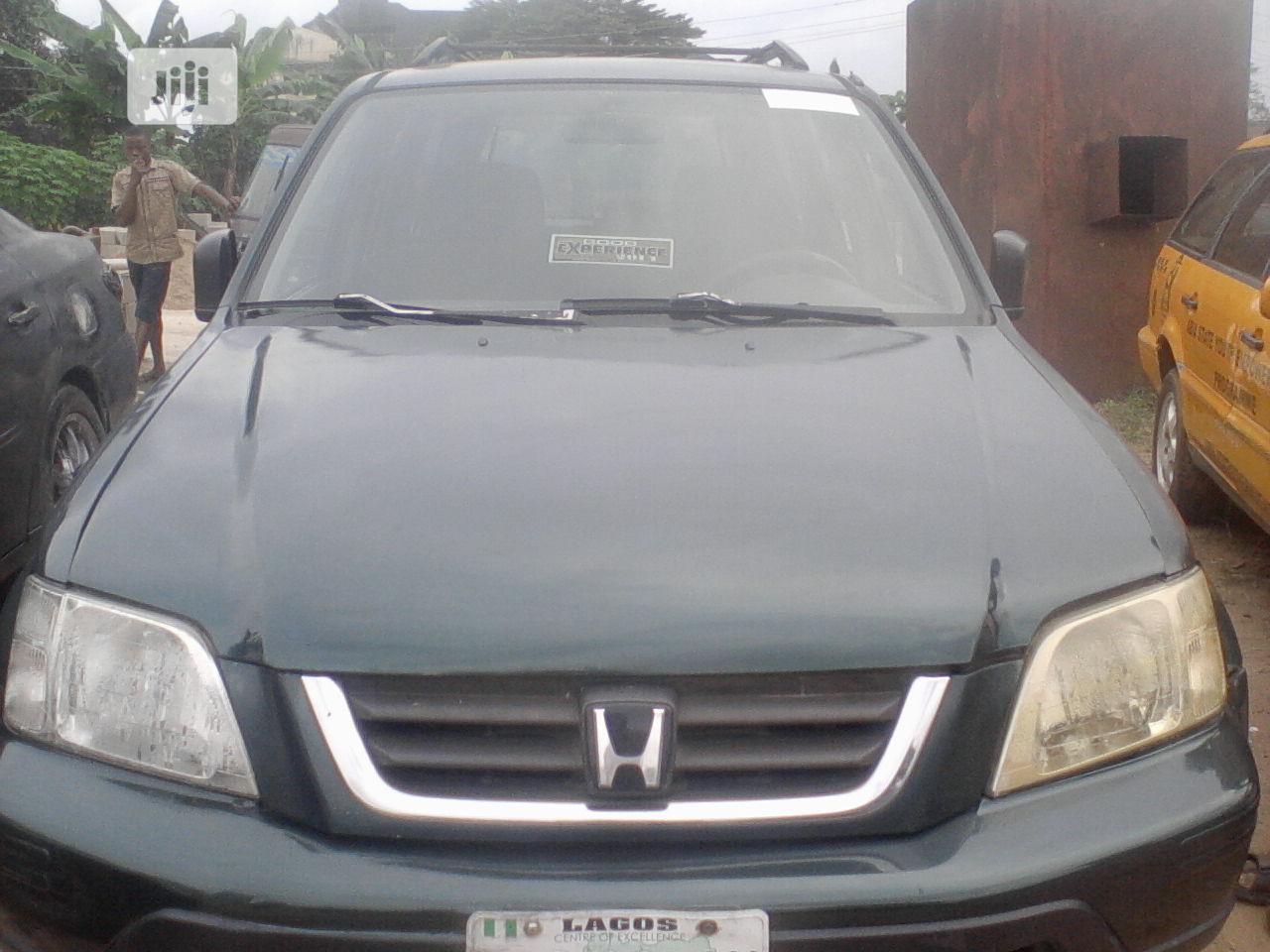 Archive: Honda CR-V 2001 Black