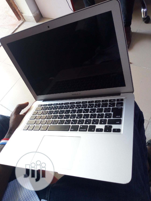 Laptop Apple MacBook Air 8GB Intel Core I5 SSD 256GB | Laptops & Computers for sale in Benin City, Edo State, Nigeria