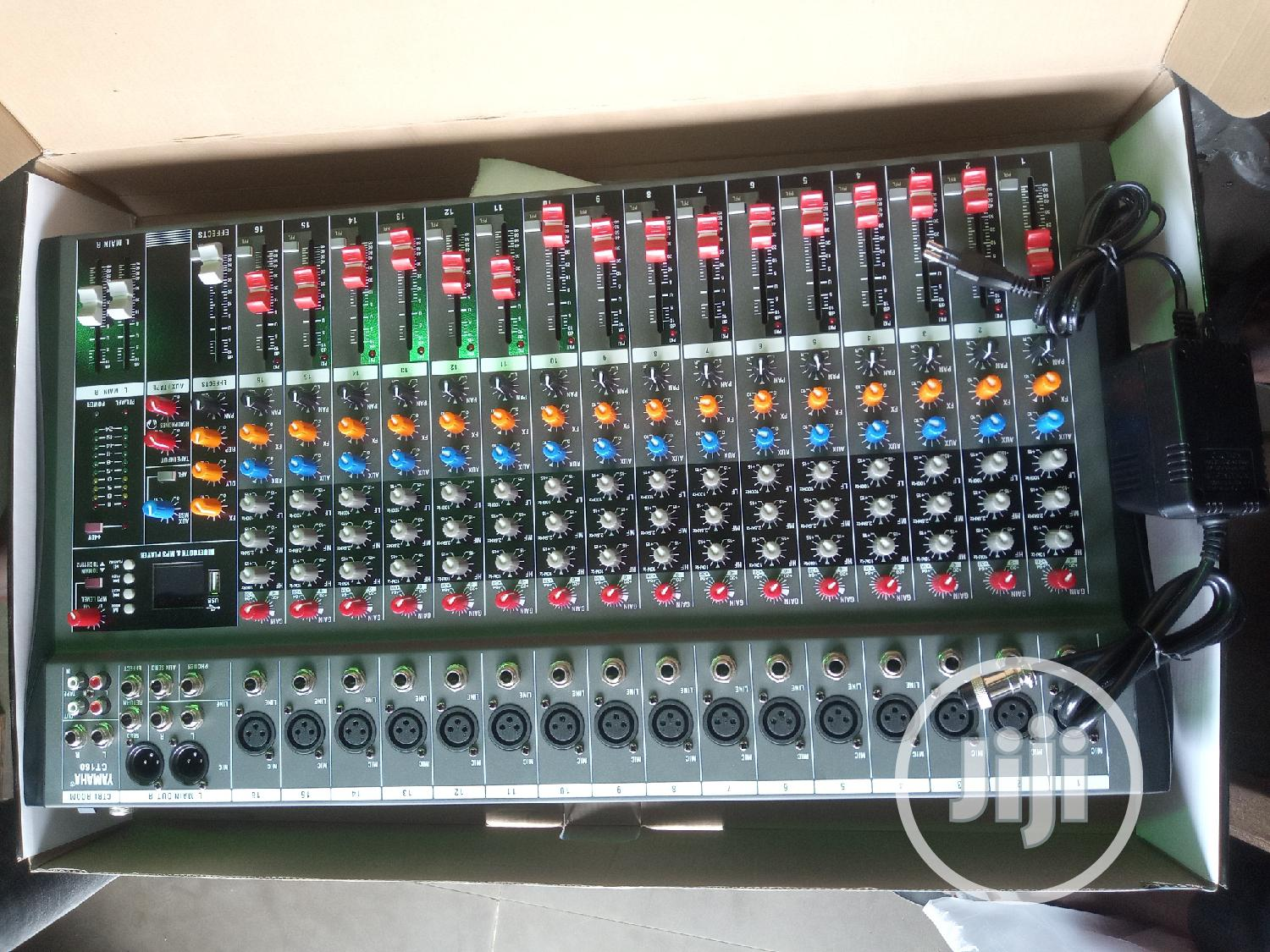 Professional Portable Mixing Console 16channel
