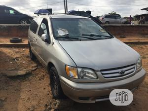Toyota Sienna CE 2002 Gold | Cars for sale in Lagos State, Apapa