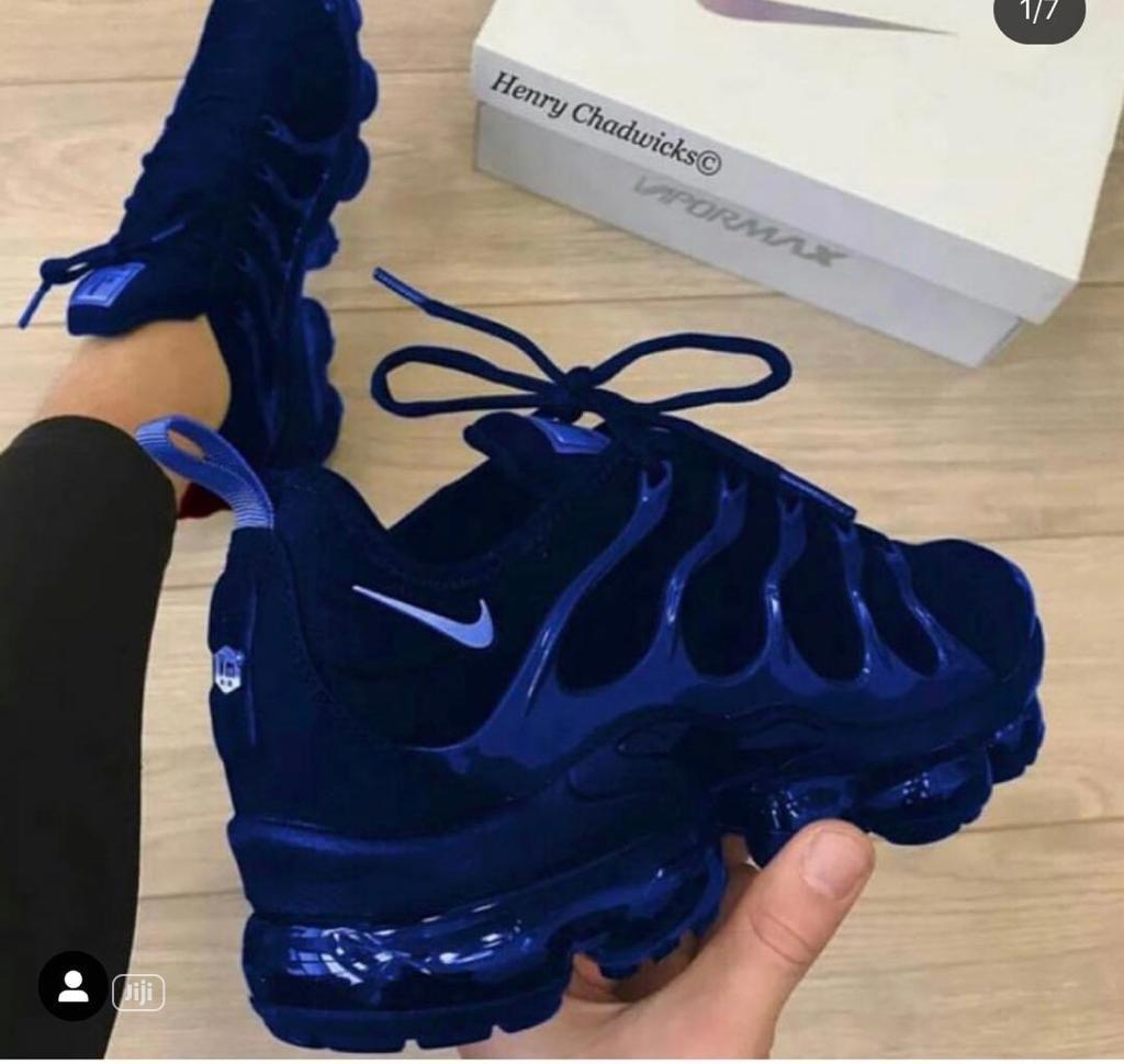 Original Nike Vapormax Shoe. Size 38-45