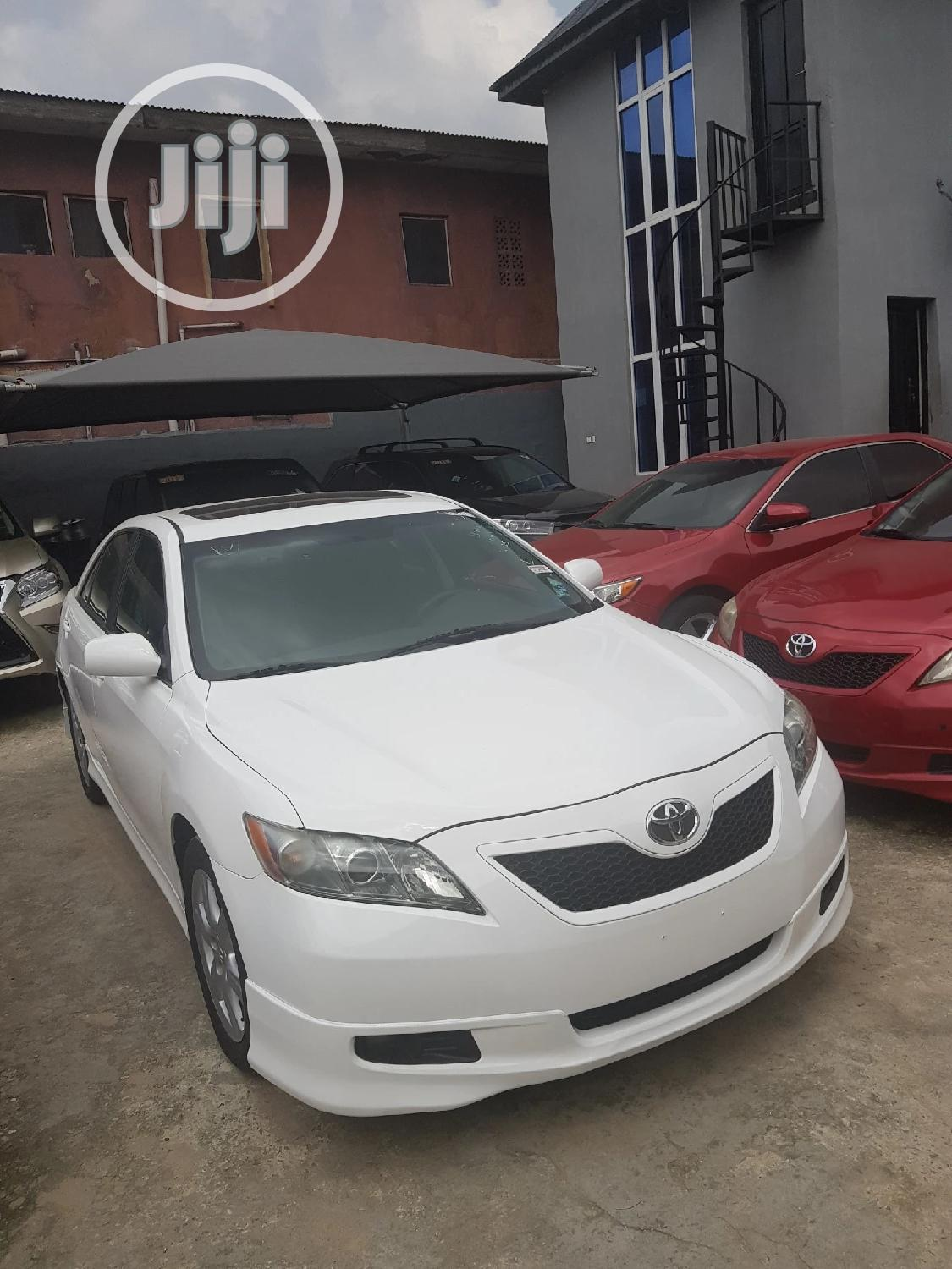 Toyota Camry 2.4 SE Automatic 2008 White | Cars for sale in Shomolu, Lagos State, Nigeria