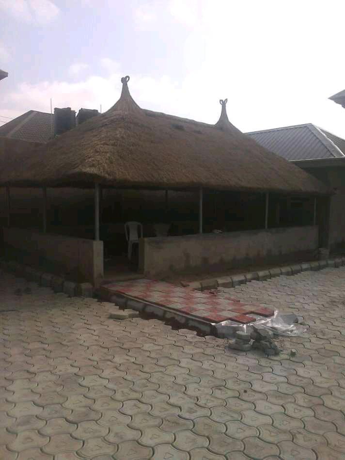 First Class Bush Bar Gazebo Hut | Garden for sale in Magodo, Lagos State, Nigeria