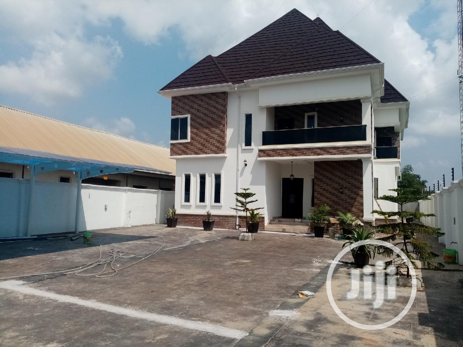 6 Bedrooms Duplex for Sale Oshimili South