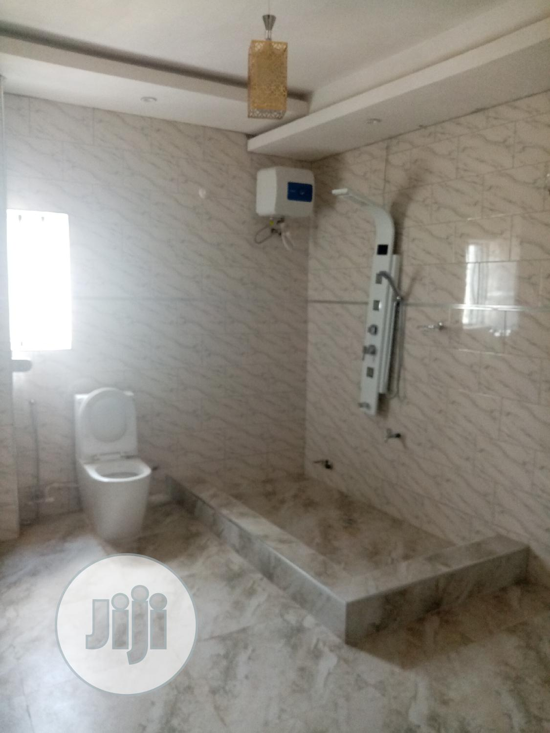 6 Bedrooms Duplex for Sale Oshimili South | Houses & Apartments For Sale for sale in Oshimili South, Delta State, Nigeria