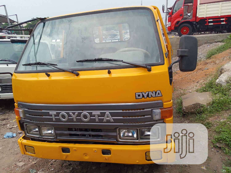 Archive: Toyota Dyna200 1997 Yellow Body