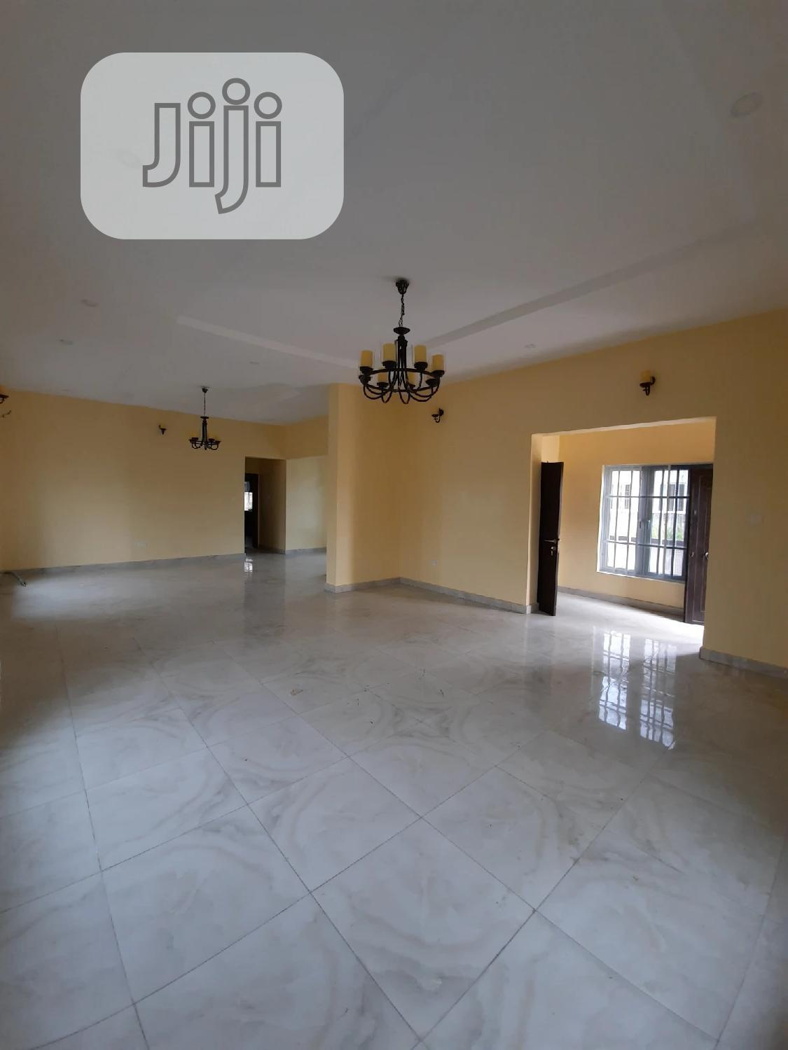 A Standard 5bedrooms Fully Detached Duplex | Houses & Apartments For Sale for sale in Lekki Phase 2, Lekki, Nigeria