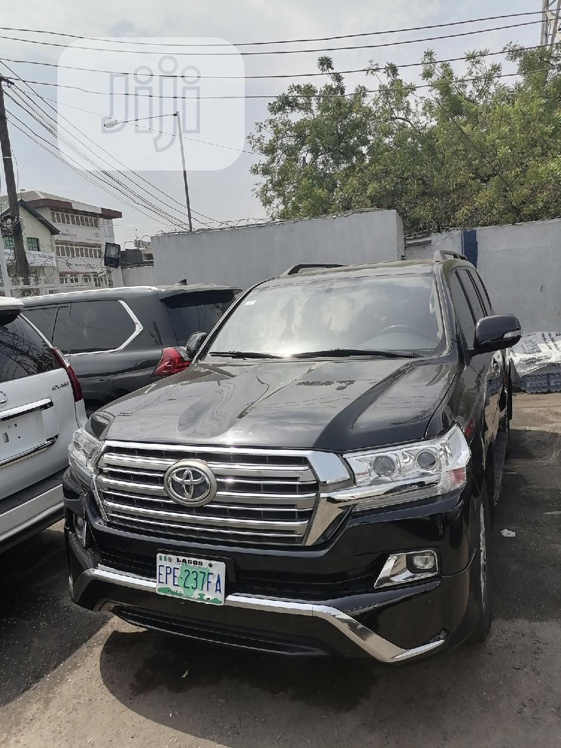 Archive: Toyota Land Cruiser 2008 Black