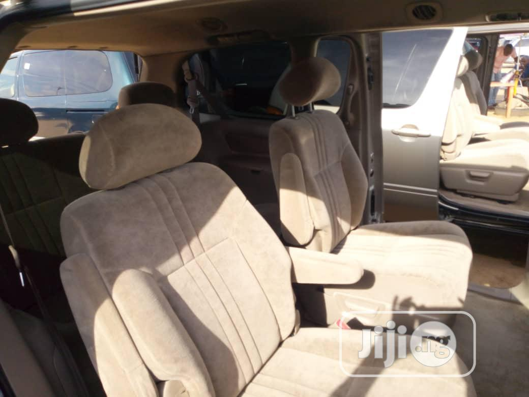Toyota Sienna LE 2002 Gold | Cars for sale in Apapa, Lagos State, Nigeria