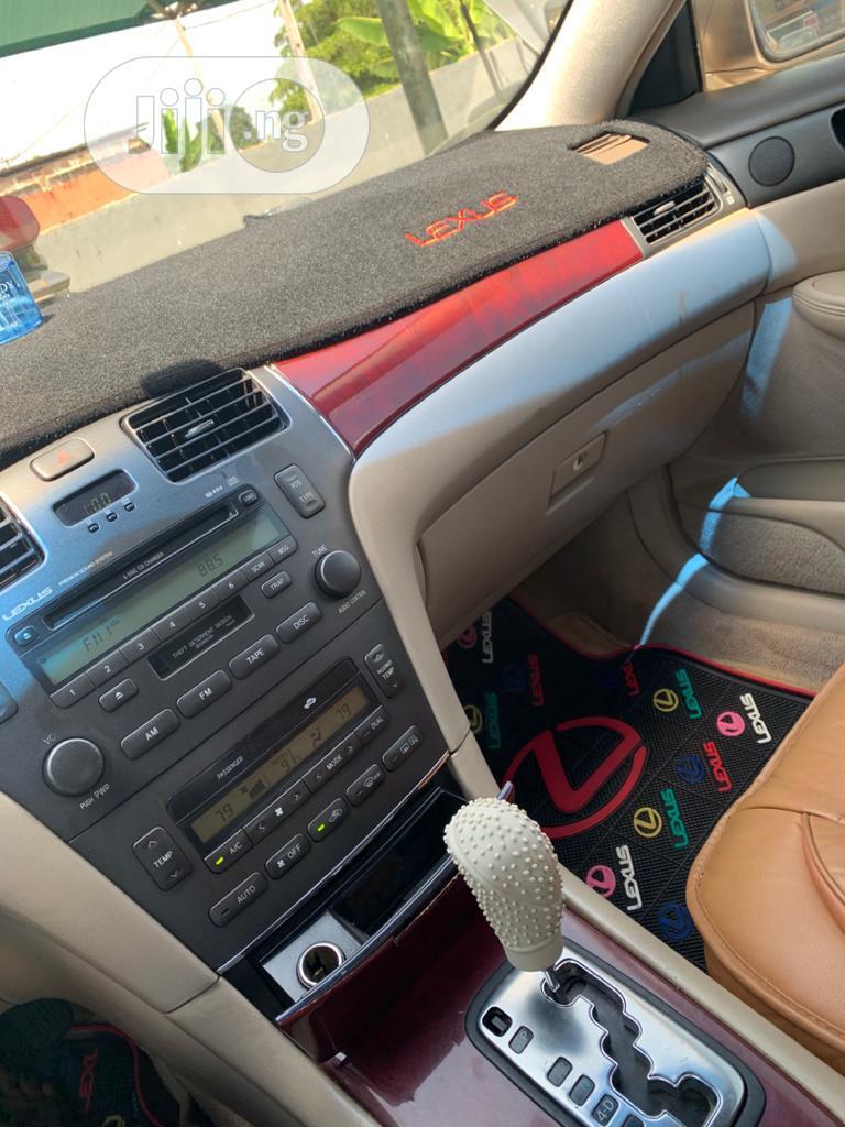 Archive: Lexus ES 300 2002 Gold