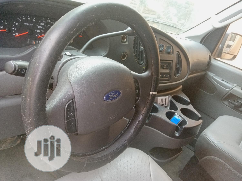 Archive: Ford E250 2007 White
