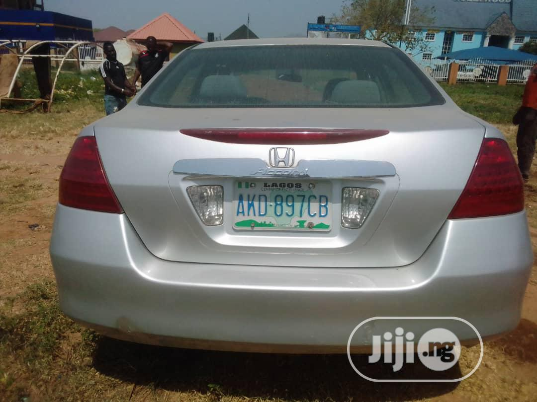 Archive: Honda Accord 2007 Silver
