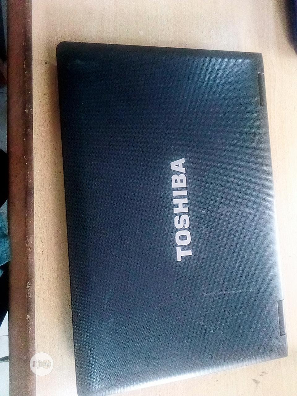 Laptop Toshiba 4GB Intel Core I3 HDD 320GB