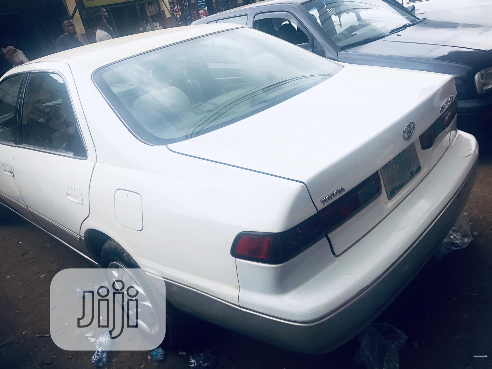 Archive: Toyota Camry 1999 Automatic White