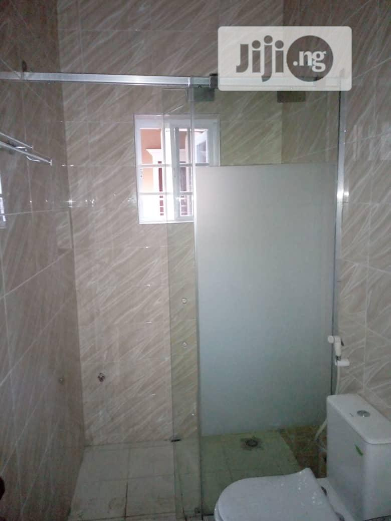 Shower Glass Cubicle Bor.