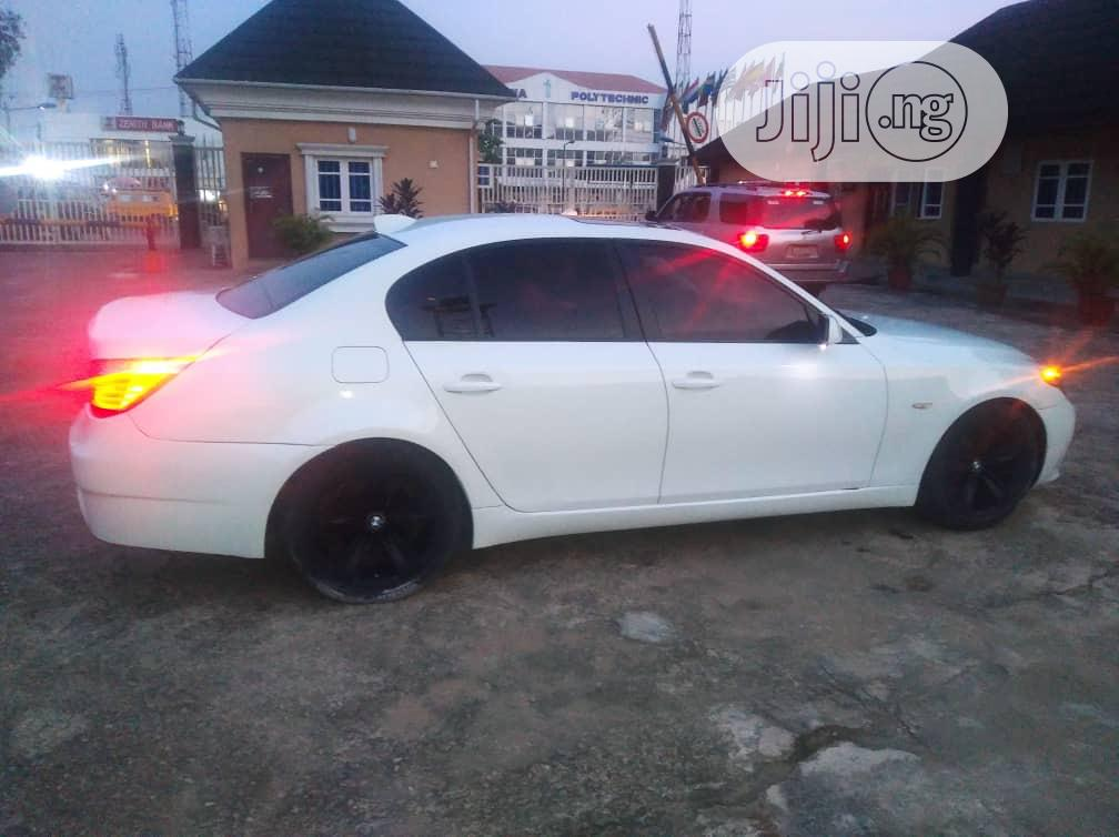 Archive: BMW 528i 2009 White