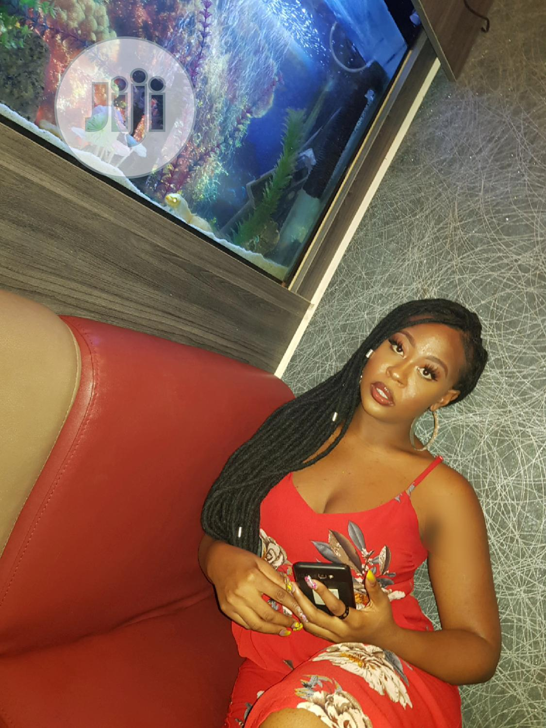 Female Tv/Radio Host.Wanted | Arts & Entertainment CVs for sale in Kubwa, Abuja (FCT) State, Nigeria