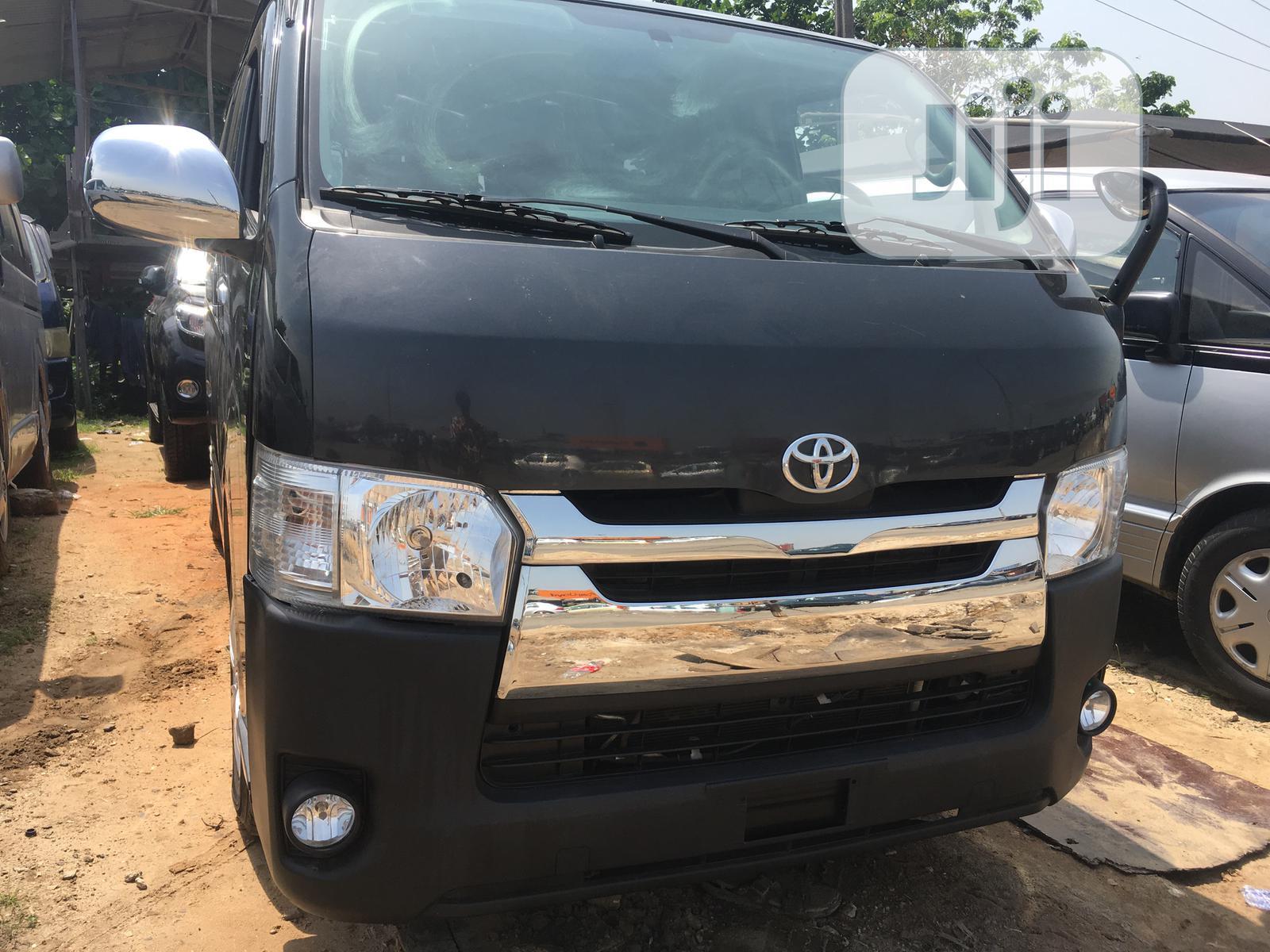Toyota Hiace 2010 Black
