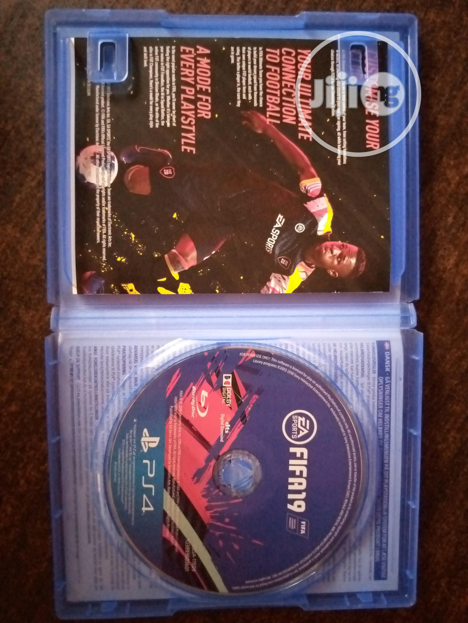 Archive: FIFA 19 EA Sports.