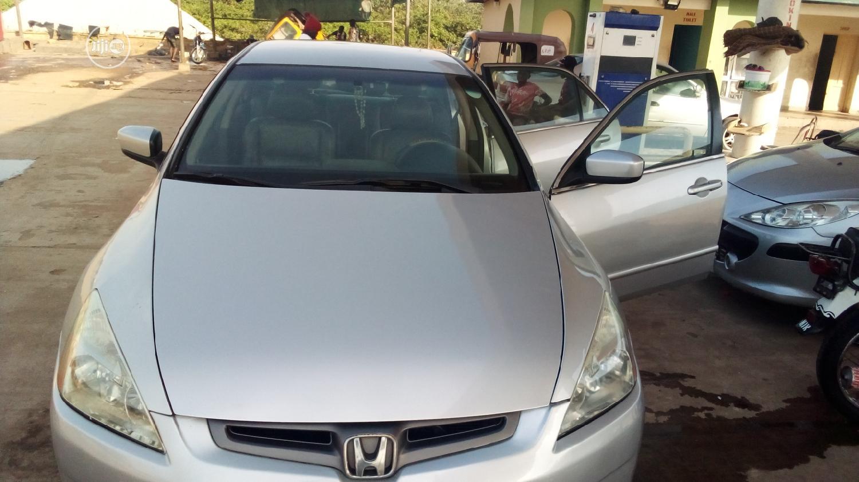 Archive: Honda Accord 2005 Automatic Gray