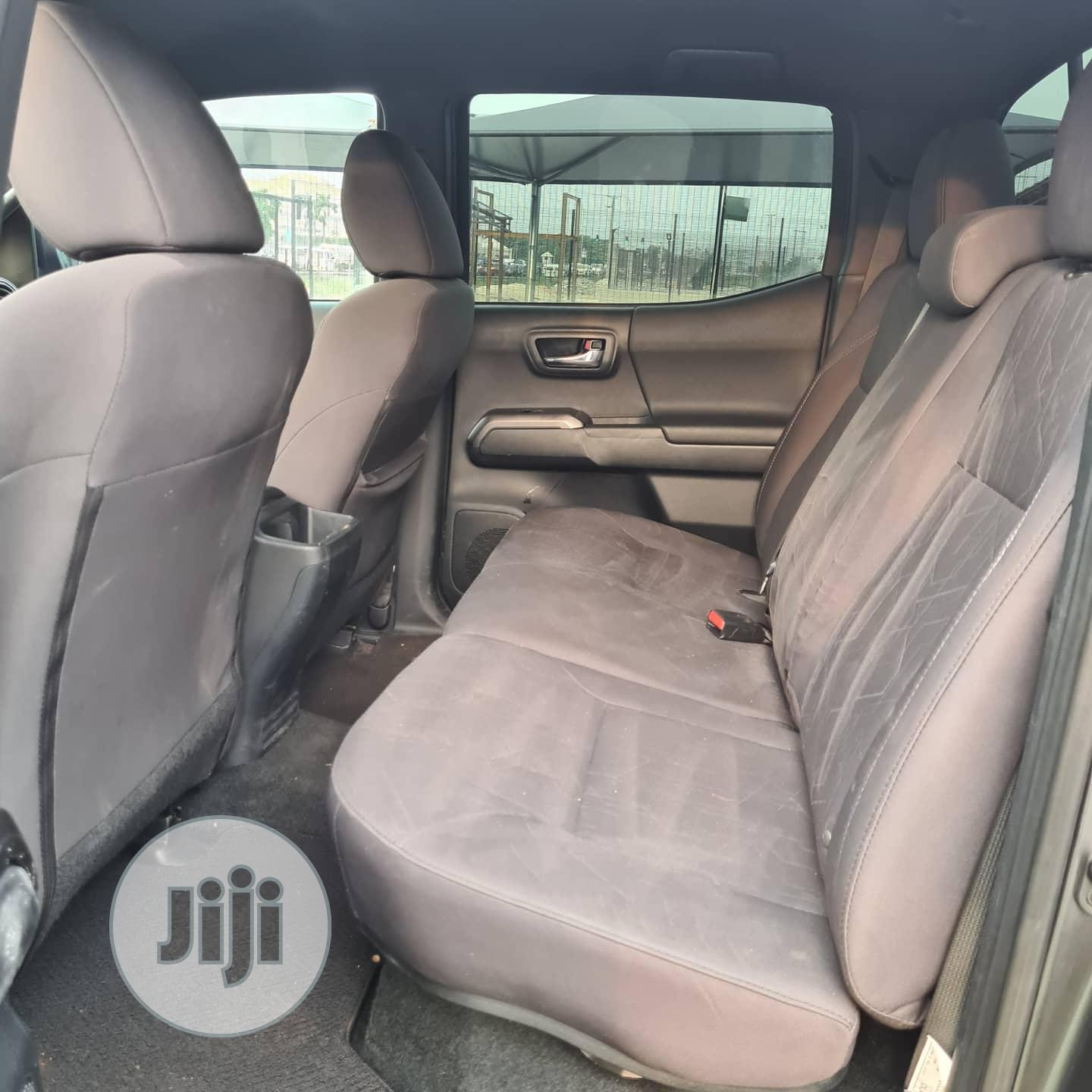 Toyota Tacoma 2016 4dr Double Cab Gray | Cars for sale in Lekki, Lagos State, Nigeria