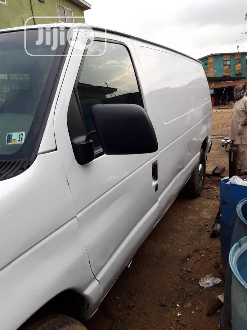 Ford E350 2003 White | Buses & Microbuses for sale in Oshodi, Lagos State, Nigeria