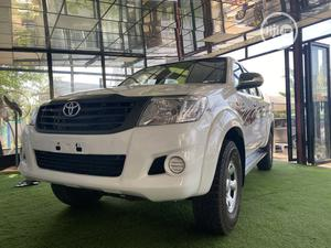 Toyota Hilux 2013 White | Cars for sale in Abuja (FCT) State, Central Business Dis