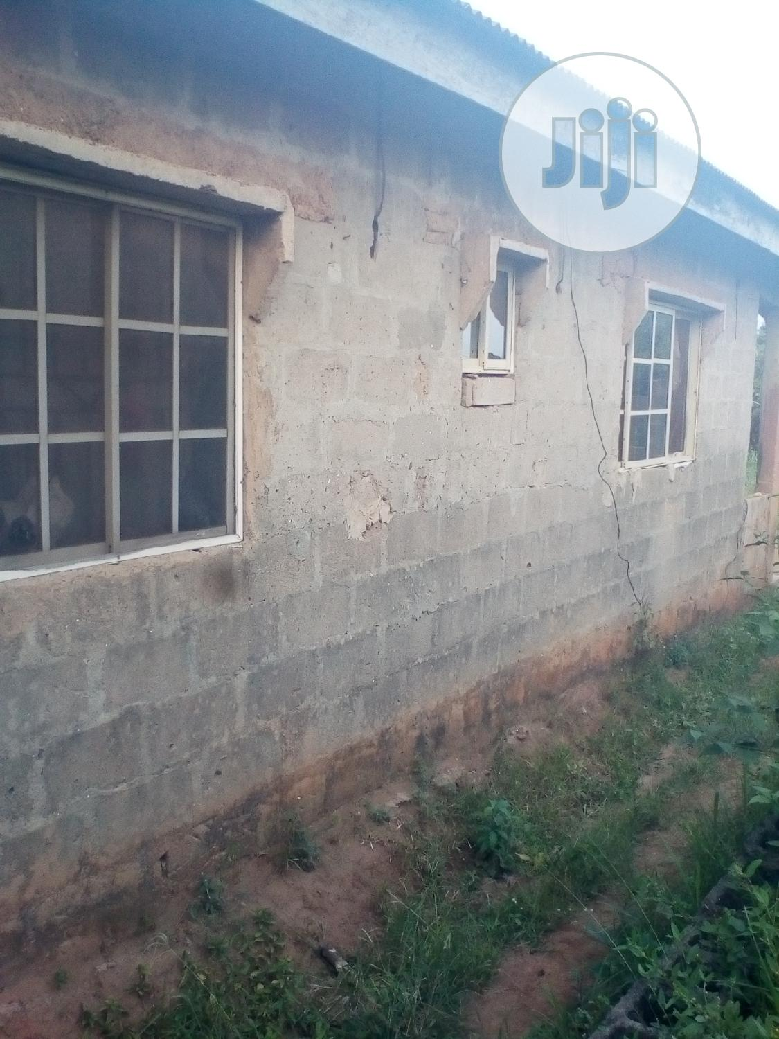 3 Bedroom House Mowo Kekere For Sale | Houses & Apartments For Sale for sale in Ikorodu, Lagos State, Nigeria