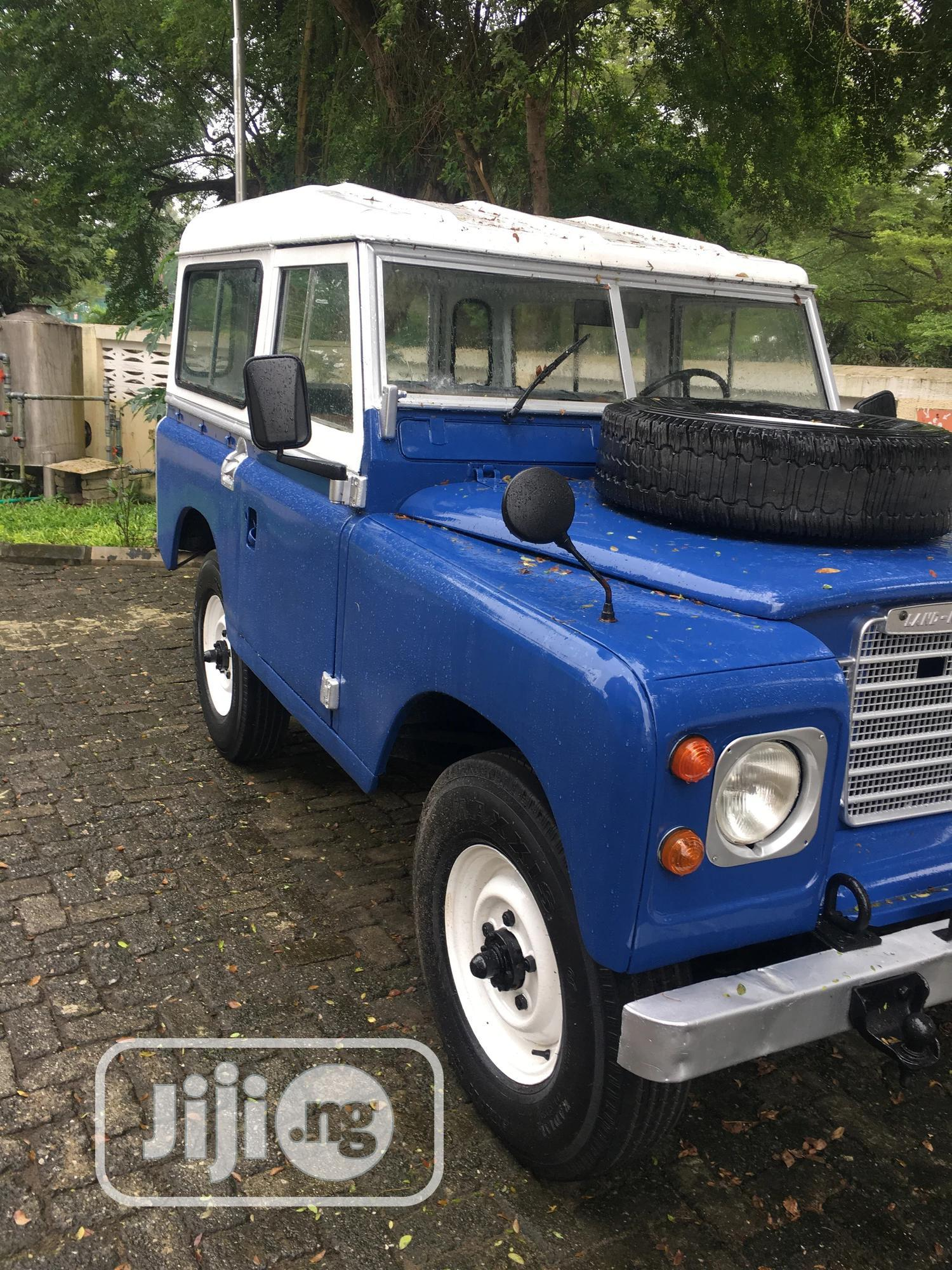 Archive: Land Rover Defender 1987 Blue