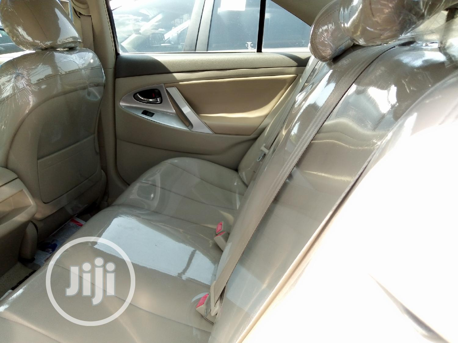 Archive: Toyota Camry 2008 2.4 SE Red