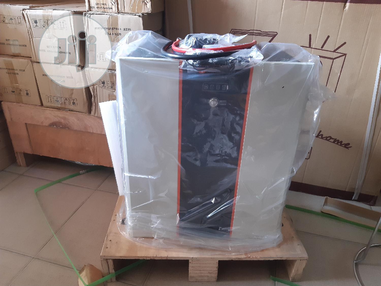 Archive: Lithium Battery 200ahs 48v