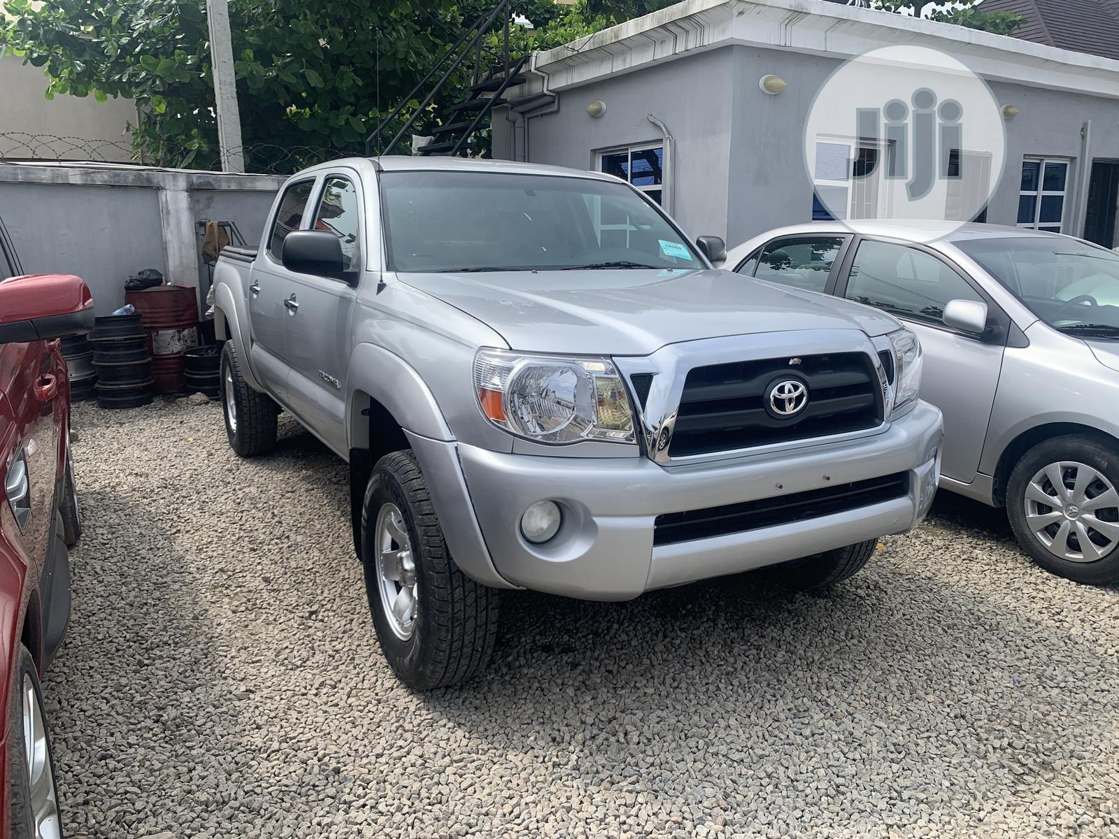 Toyota Tacoma 2005 Silver | Cars for sale in Amuwo-Odofin, Lagos State, Nigeria